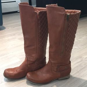 Quilted Fashion Boots